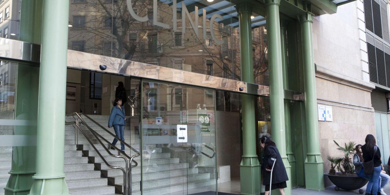 Médicos del Clínic de Barcelona hacen una operación pionera de cáncer renal que conserva la función y evita diálisis