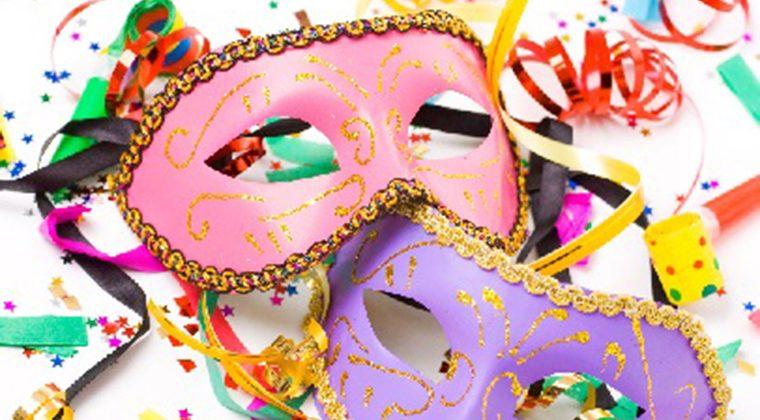 ALCER Almería realiza un taller de manualidades para preparar el carnaval