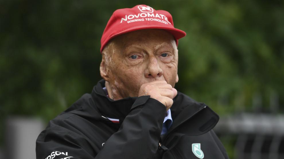 Muere Niki Lauda, que vivió gracias al trasplante de riñon de su mujer y uno de pulmón