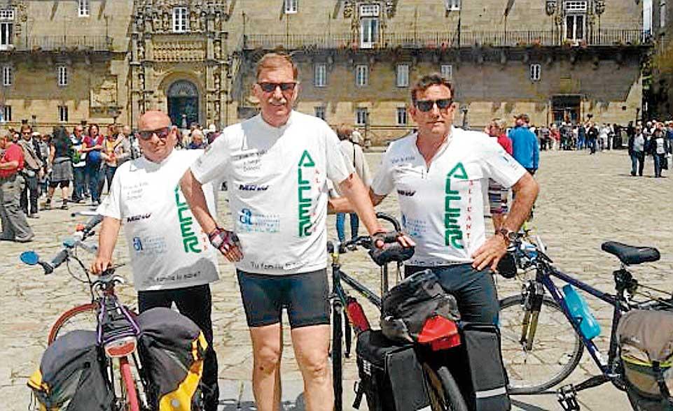 Pedalean desde Alicante tres trasplantados de riñón