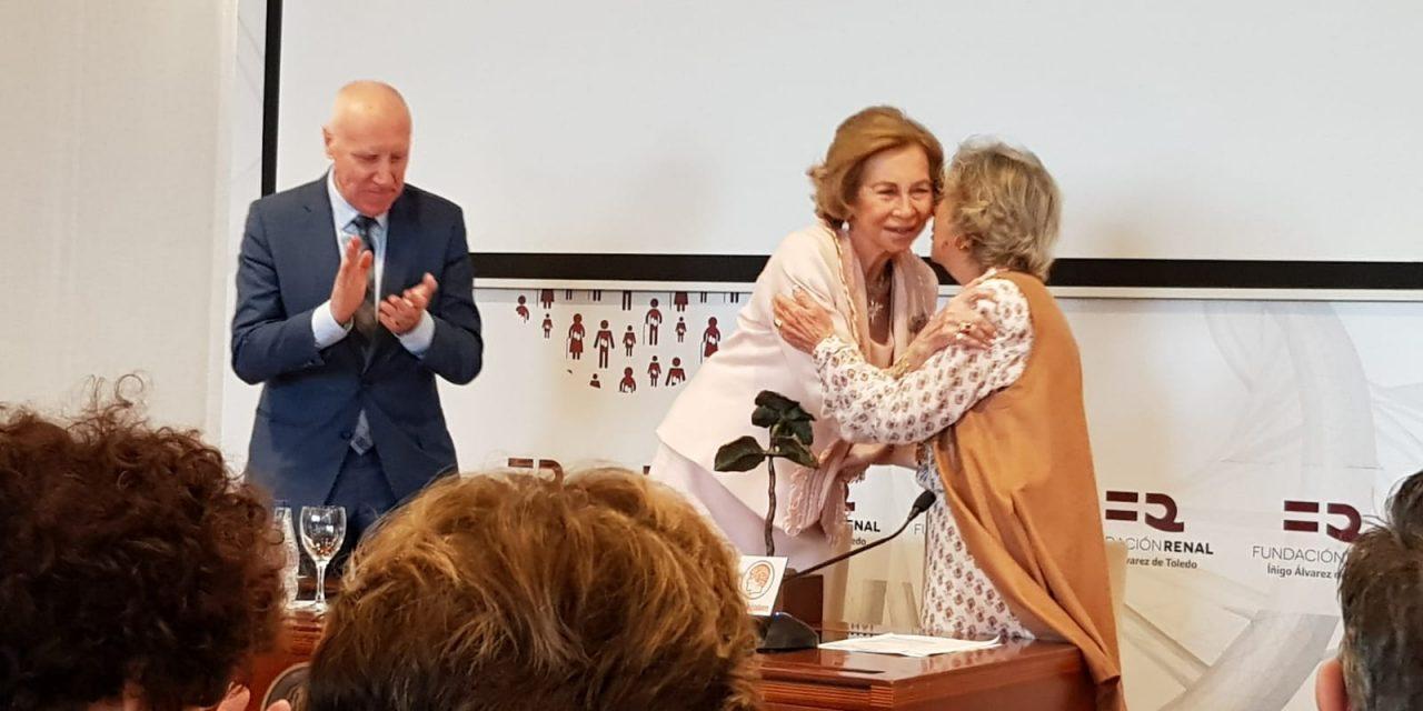 La Fundación Renal honra a doña Sofía y a Margarita Salas en una entrega de premios