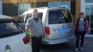 Makers donan pantallas faciales a los taxistas que atienden a ALCER