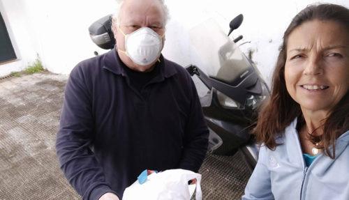 Los enfermos renales, protegidos en Sevilla del coronavirus por manos solidarias