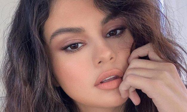 Selena Gomez muestra orgullosa la cicatriz de su trasplante de riñón