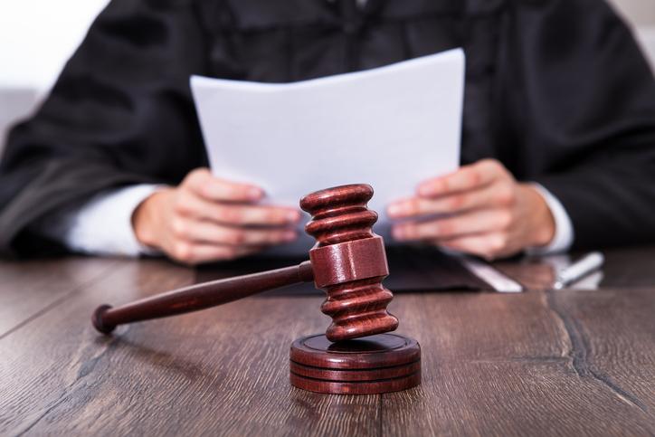 Una profesora con un trasplante acude al juez para evitar contagiarse de covid