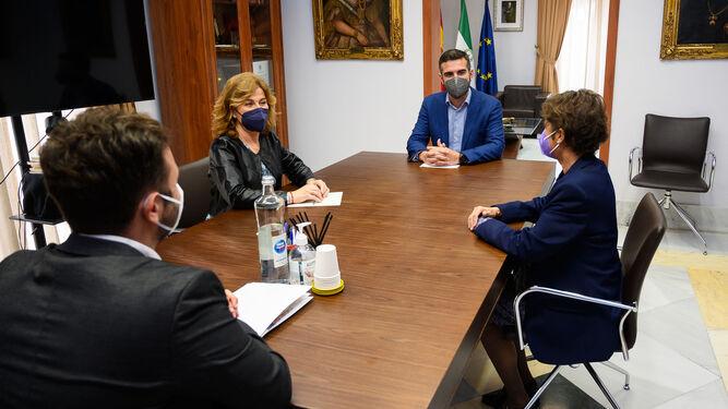 El Ayuntamiento colaborará con la Asociación de Enfermos Renales de Almería